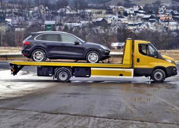 Samochód przeznaczony do recyklingu pojazdów